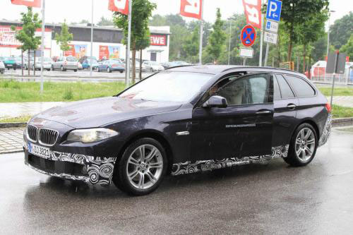 2011 BMW 5-Series Touring with M-Sport package