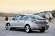 Вид сзади Mazda 3 2010