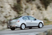 Mazda 3 2010 в движении