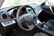 Mazda 3 2010 руль