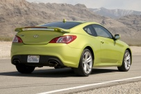 Hyundai_Genesis_Coupe_back_2