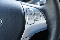 Hyundai_Genesis_Coupe_wheel_controls