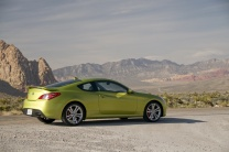 Hyundai_Genesis_Coupe_side_2