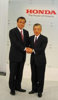 Таканобу Ито и его предшественник Такео Фукуи