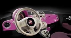 Водительское место Fiat 500 Barbie