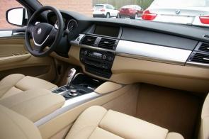Место пассажира BMW X6