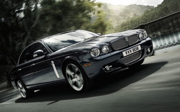 2009 jaguar xj on the move