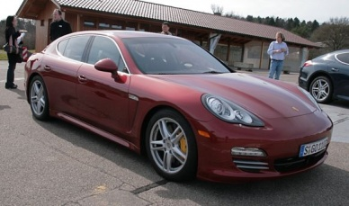 red panamera turbo