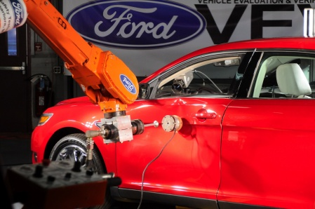Ford Mondeo 2009 crash test ball trow