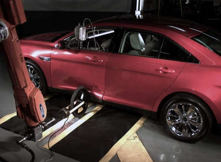 Ford Mondeo 2009 crash test bike weel