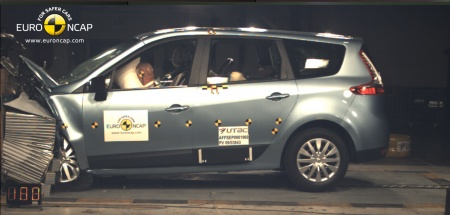 Renault Grand Scenic 2009 crash test