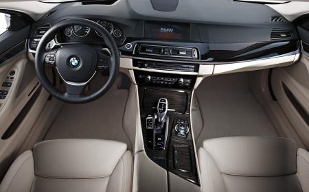 BMW 5 series 2010 приборная панель