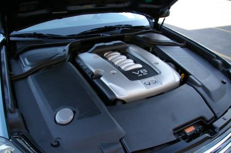 Infiniti M45S engine