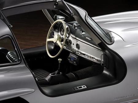 Mercedes Benz Gullwing interior