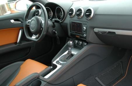 Audi TTS 2009 interior