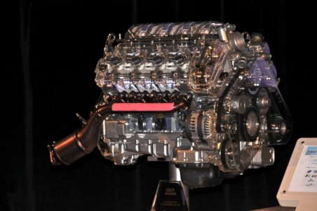 4.6-liter V8 engine Tau