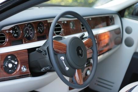 2009 Rolls-Royce Phantom EWB салон