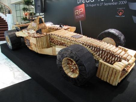 Ferrari F1 из хлеба