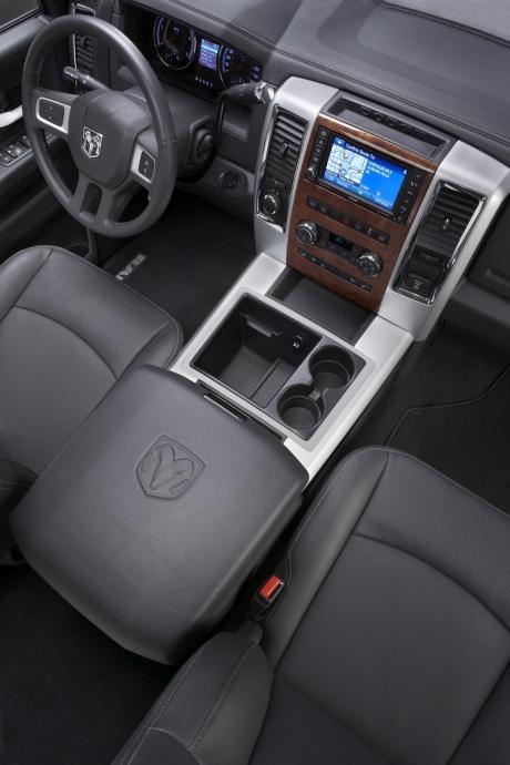 Dodge RAM 2010 interior