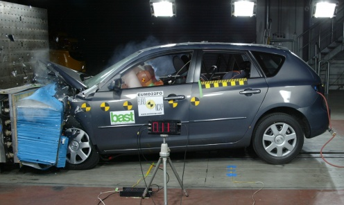 Crash test mazda 3 2006