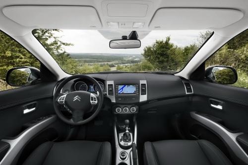 Новый Citroen C-Crosser 2010 interior