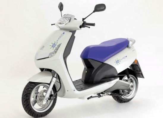 Электрический мотороллер Peugeot E-Vivacity