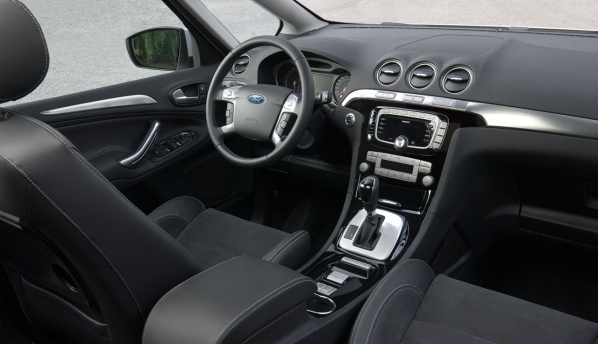 2010 Ford S Max салон