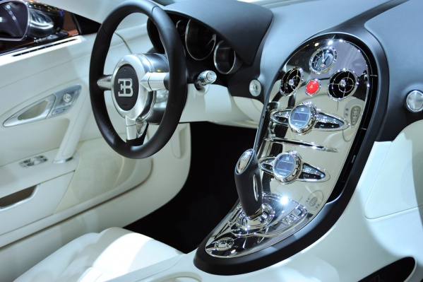 Bugatti Veyron Centenaire Sang-D-Argent Soleil-Du-Nuit Nocturne