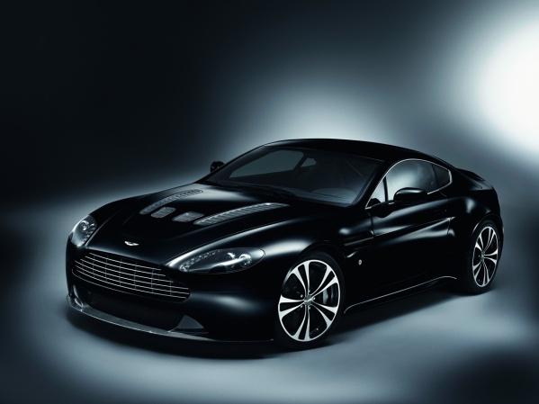 Aston Martin V12 Vantage DBS Carbon Black Edition