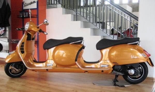 Vespa 4-seater