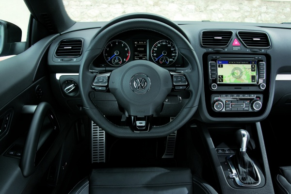2010 VW Scirocco R салон