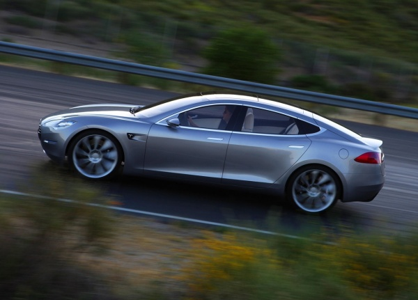 Tesla Model S Large