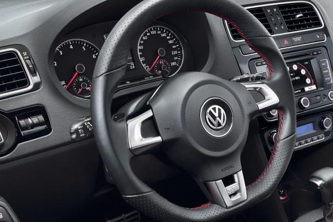 Volkswagen Polo GTI 2011 interior