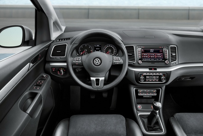 Volkswagen Sharan 2011 interior