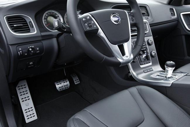 2010 Volvo S60 by Heico Sportiv