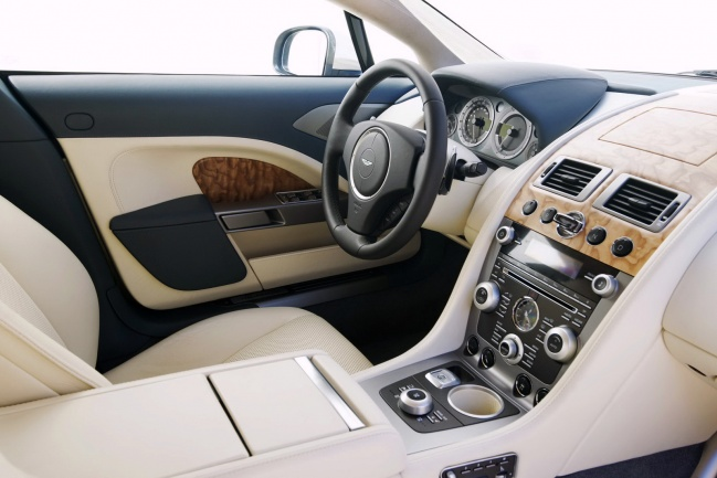 Aston Martin Rapide Sports Saloon interior