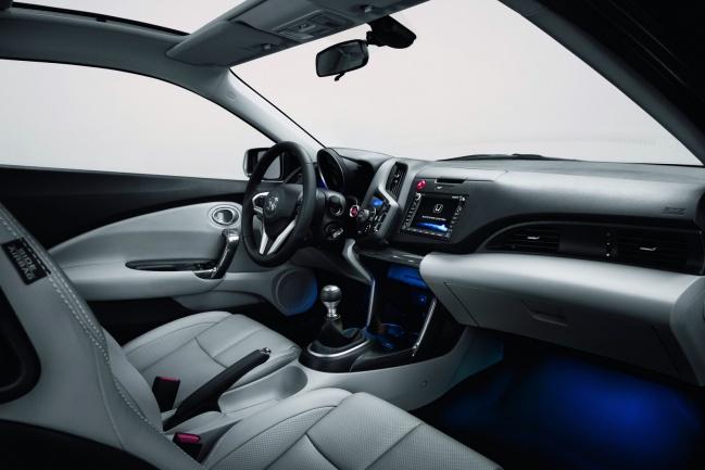 Интерьер купе Honda CR-Z hybrid