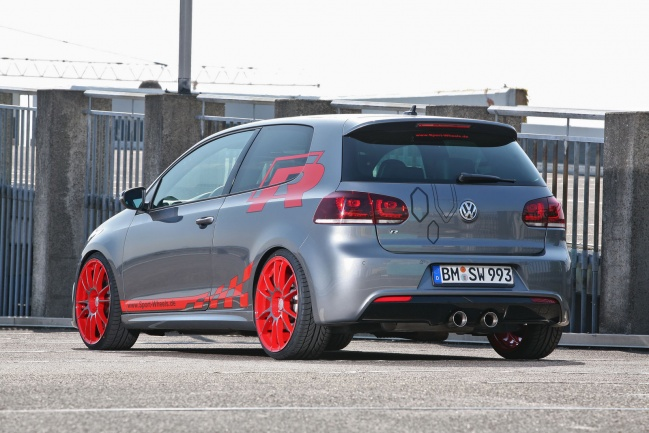 VW Golf-R 330hp