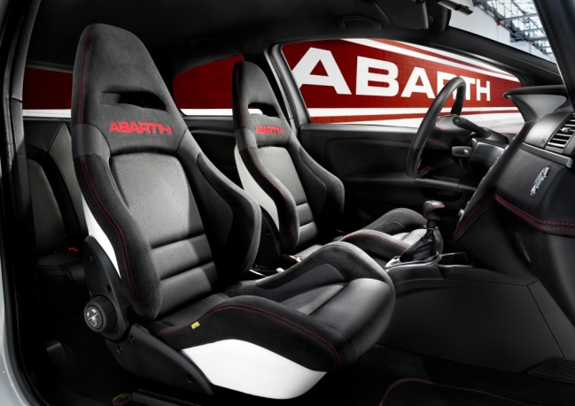 Fiat Abarth 500C interior