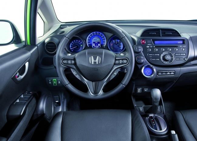 Гибридный Honda Jazz представили в Великобритании