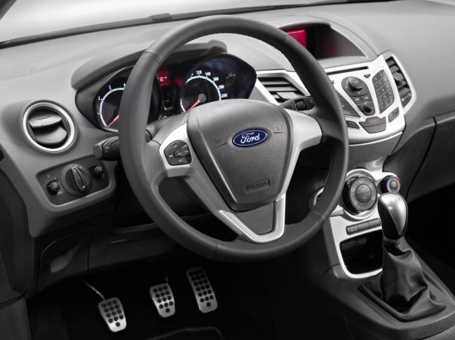 Fiesta Sport Plus 2010 interior