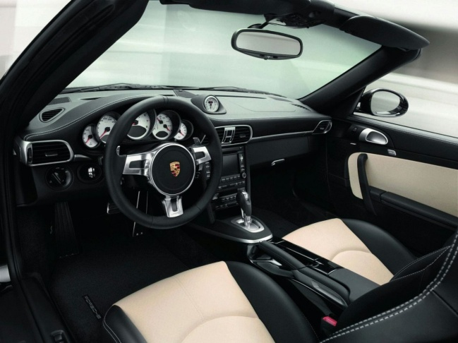 Porsche 911 Turbo S 2011 interior