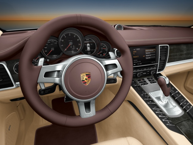 Porsche Panamera 2010 interior