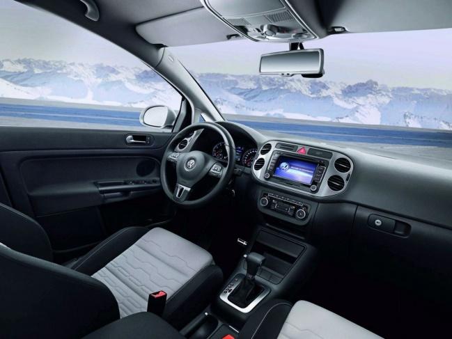 Volkswagen CrossGolf interior