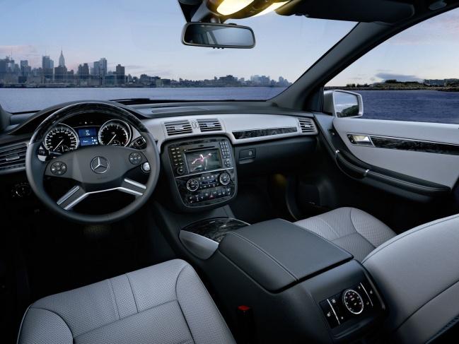 Mercedes Benz R-Class 2011 interior