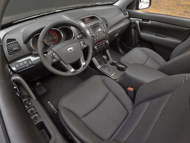 Kia Sorento SX 2011 interior