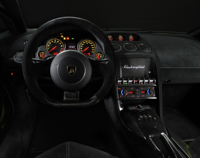 Lamborghini Gallardo LP 570-4 Superleggera interior
