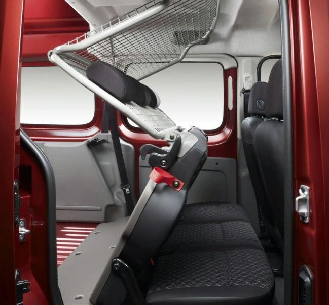 Renault Kangoo Express Maxi interior