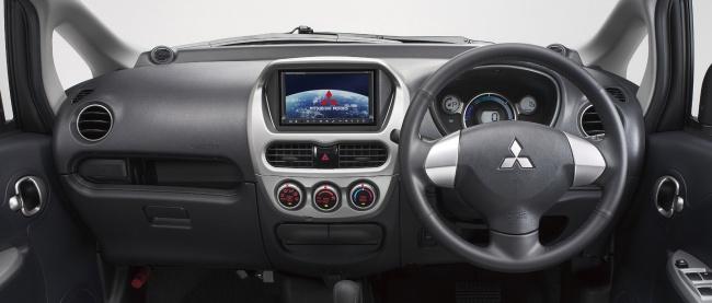 Приборная панель Mitsubishi i-MiEV