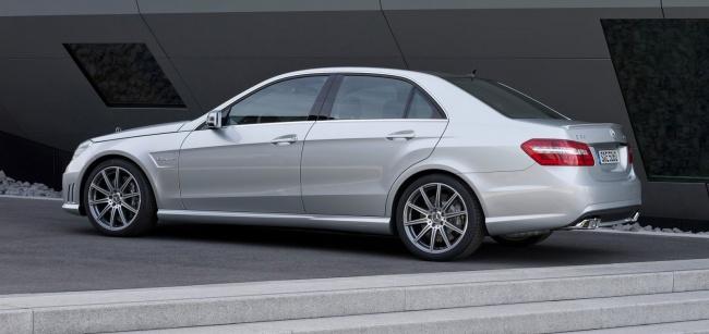 Mercedes-Benz показал обновленный E63 AMG